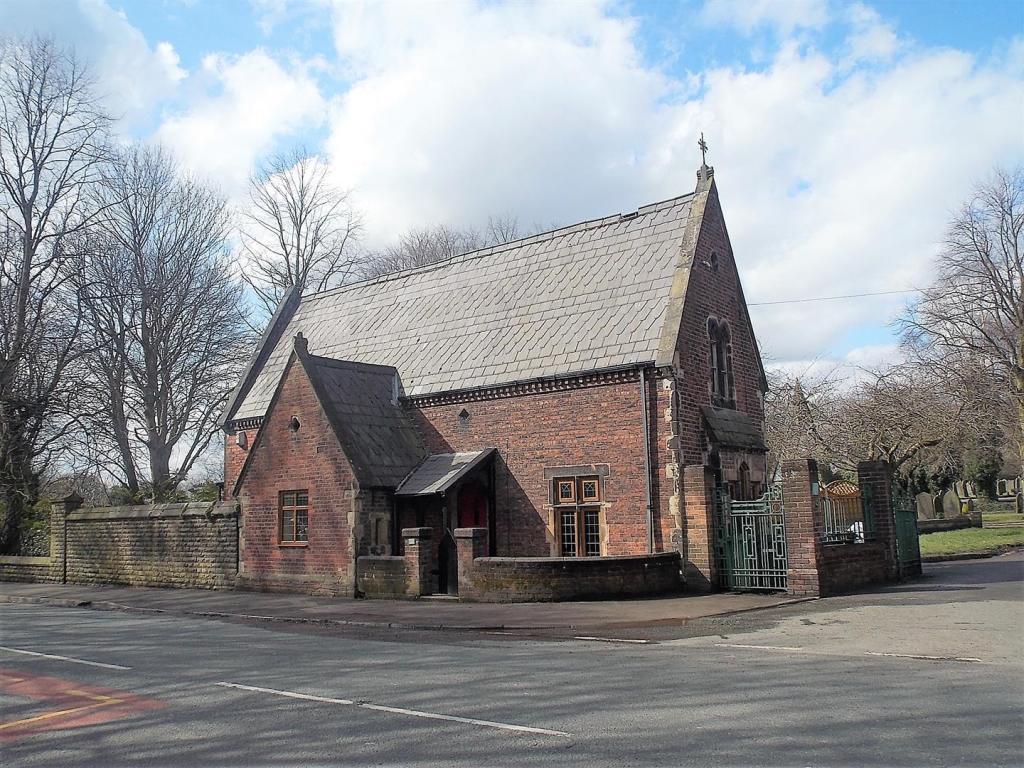 Huis op begraafplaats bij Manchester - Bron: Rightmove.co.uk