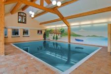 Zwembad Frans Duijts in Tiel - Foto: Funda