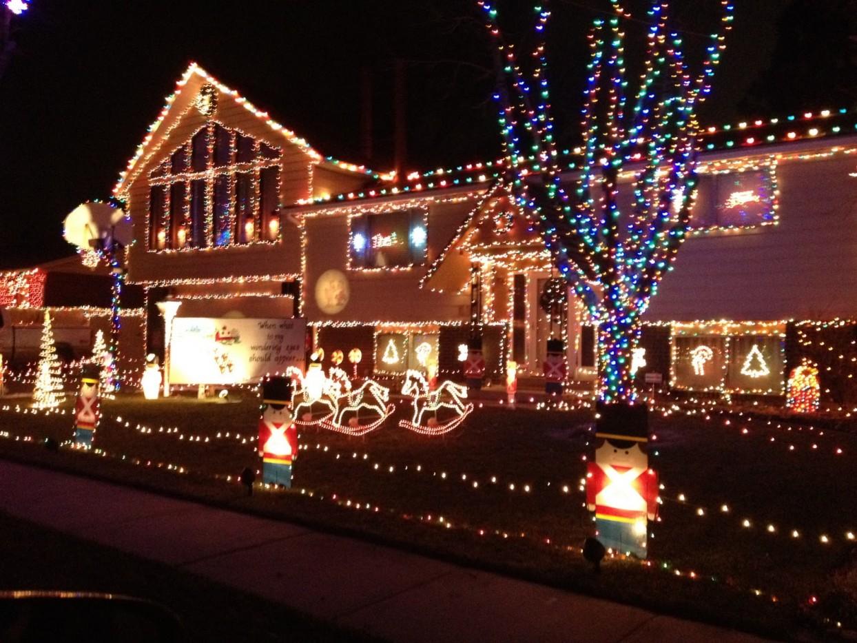 Bijzondere Huizen Versierde Kersthuizen Interveste