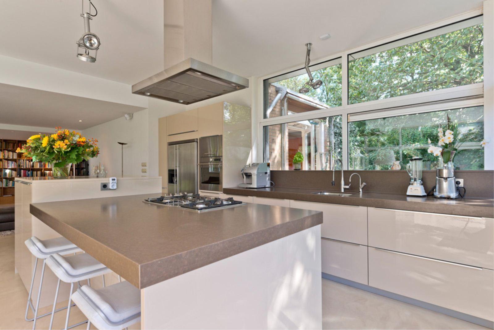Martin Gaus verkoopt mega luxe villa   Interveste - INFONET
