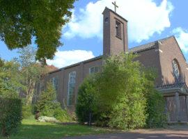 Antikraak in de kerk door kraakwacht Dayenne Wielheesen via Interveste