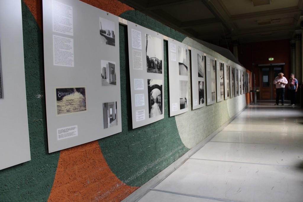 Bewoners van het Antikraakpand Haarendael werken mee aan de tentoonstellingen in Gedenkplaats Haaren.