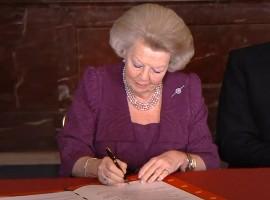 Leegstandwet werd door Beatrix, Koningin der Nederlanden, ondertekent.
