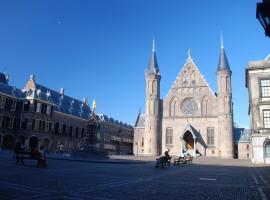 Den Haag - Nederland staat leeg
