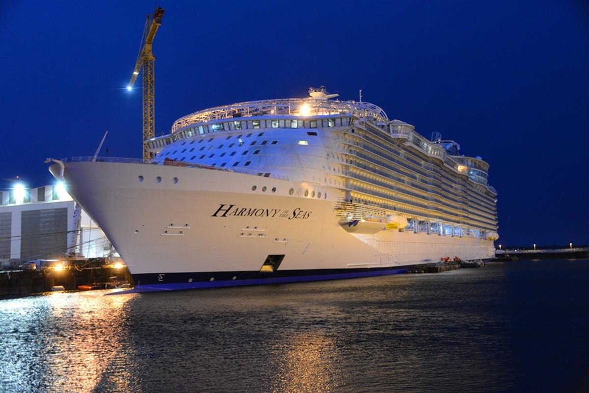 Grootste cruiseschip meert aan in Rotterdam