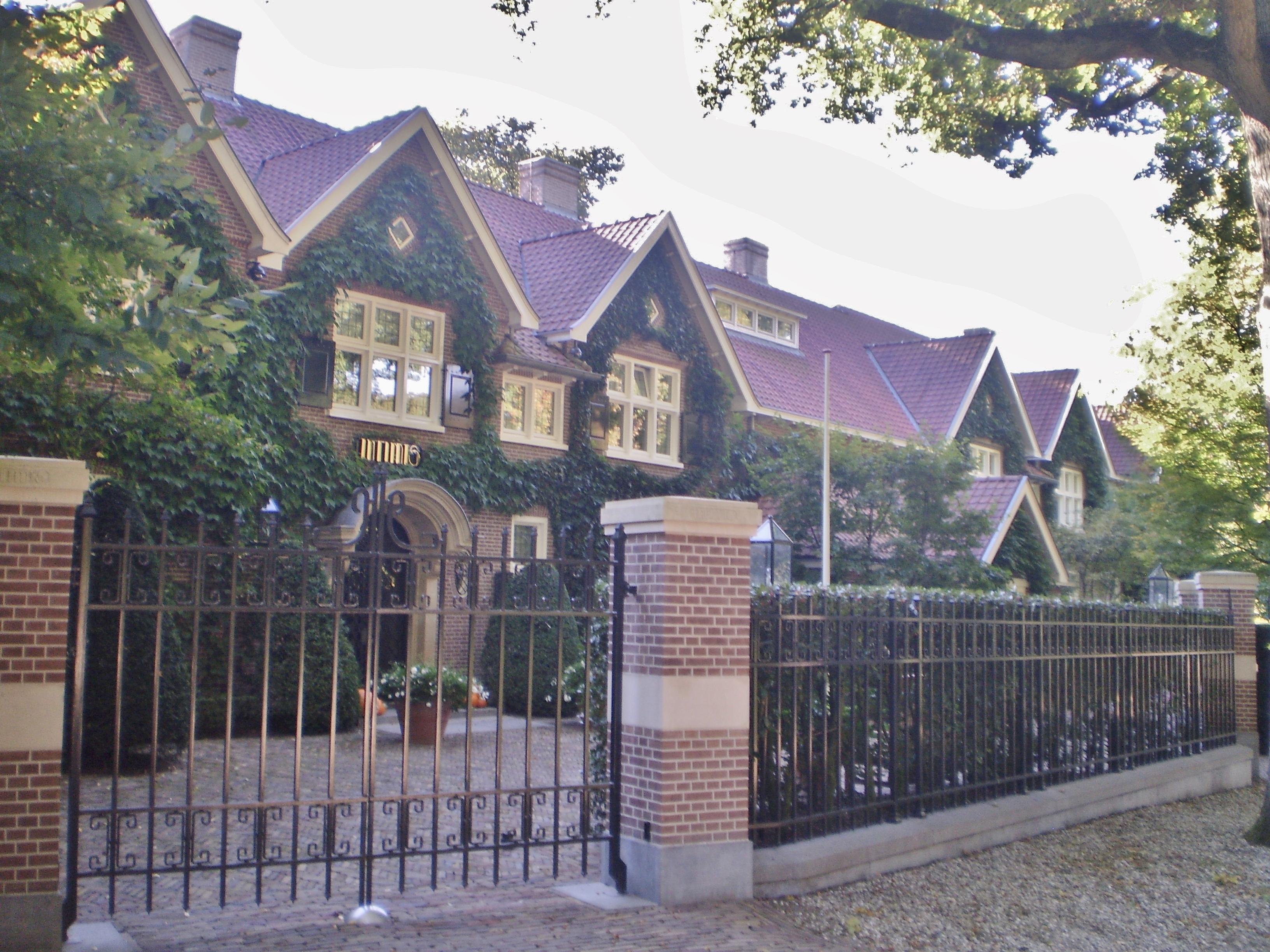 Villa Joop van Den Ende verkocht voor 13 miljoen