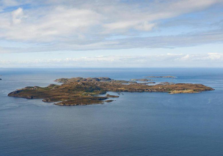 Te koop: eiland met postkantoor en breedbandverbinding