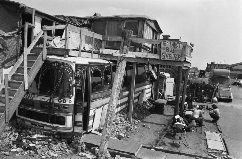 KNSM eiland Amsterdam - uitgebouwde bus