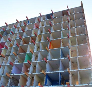 Weer een flat in Palenstein gesloopt
