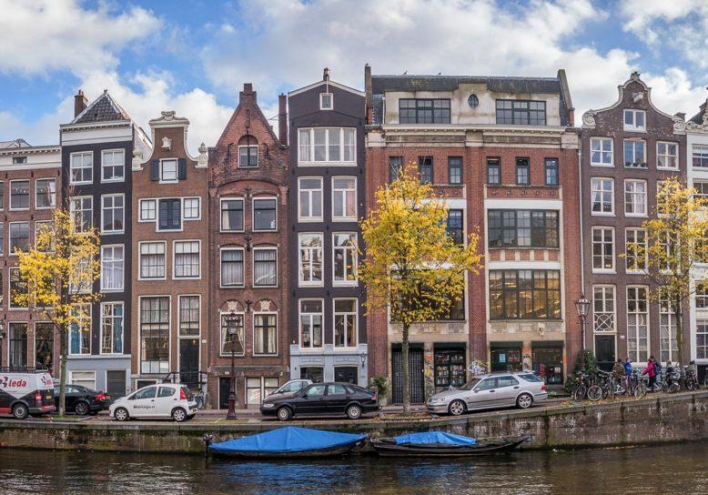 Expats en buitenlandse studenten drijven huizenprijzen Amsterdam op