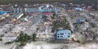 Orkaan verwoest heel dorp, behalve dit huis