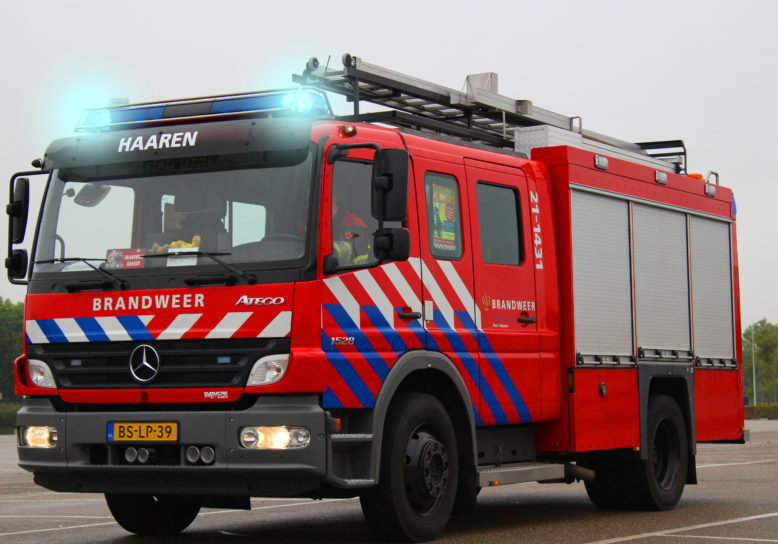 Brandweer oefent in sloopflat