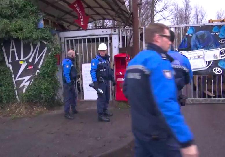 Krakersbolwerk Amsterdam ontruimd