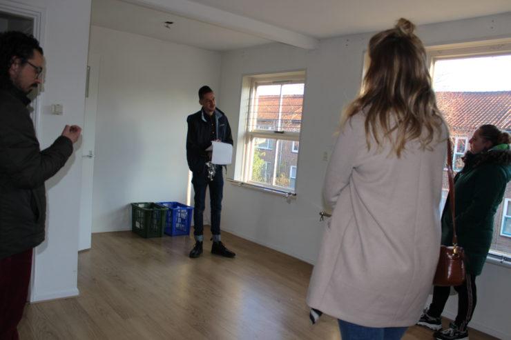 De uitleg en loting van de woning in Sassenheim