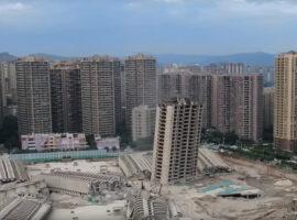 15 flatgebouwen tegelijkertijd gesloopt
